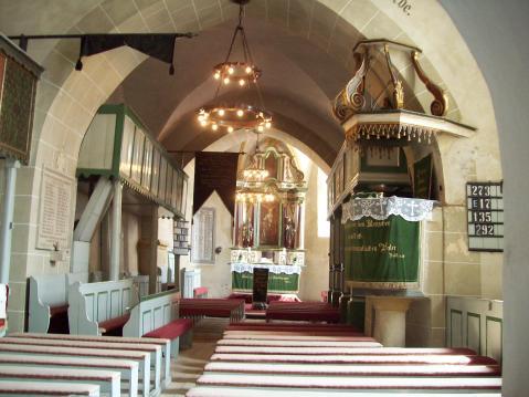 Biserica fortificata din Axente Sever - interior