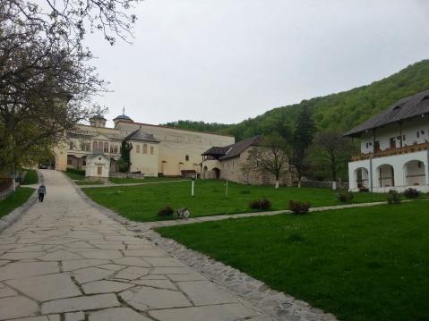curtea Manastirii Hurezi